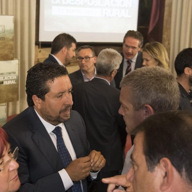 Moliner da respuesta inmediata a las propuestas del Foro contra la Despoblación