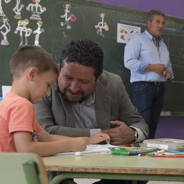 Diputació amplia a 13 col·legis les ajudes per a les escoles matineres