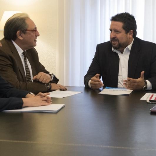 La Diputació coordina amb l'empresariat el treball en Fitur