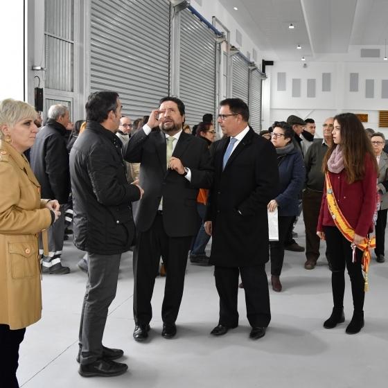 Moliner inaugura el nuevo polifuncional de La Llosa