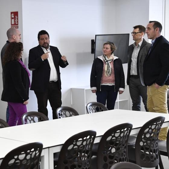 La Diputación refuerza el turismo de Vilafamés con el buen funcionamiento del albergue