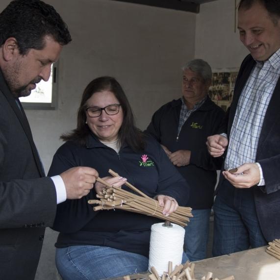 La Diputación refuerza y reconoce el trabajo del sector pirotécnico provincial