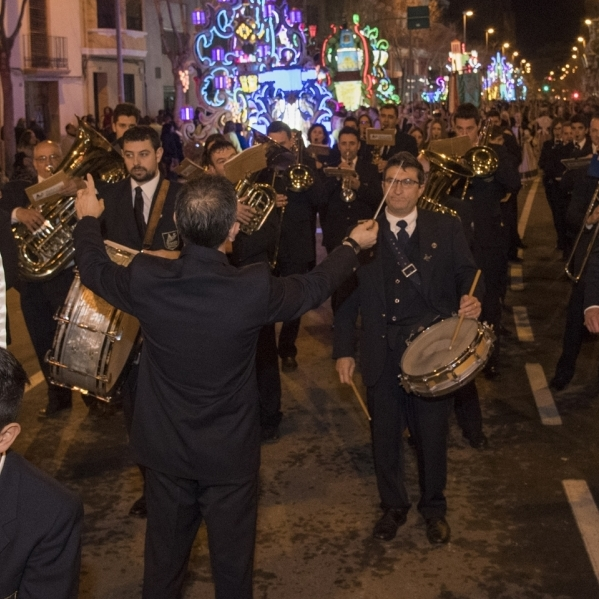 La Diputación ensalza el tradicional Desfile de Gaiatas con las bandas de música