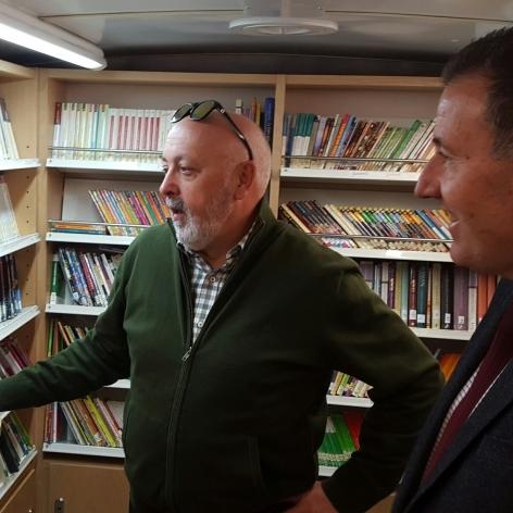 El Bibliobús de la Diputació dóna 'mitja volta al món' cada any
