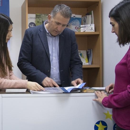 """La Diputació inaugura la seua oficina Europe Direct com una """"finestra directa"""" a la UE"""