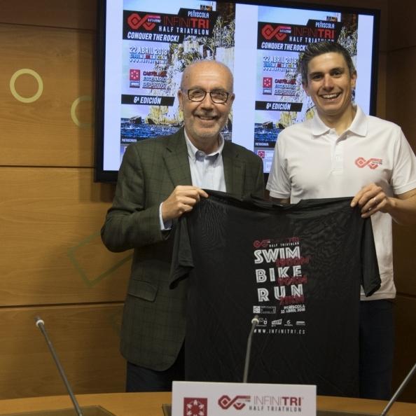 La Diputación impulsa el Infinitri Half Triathlon de Peñíscola