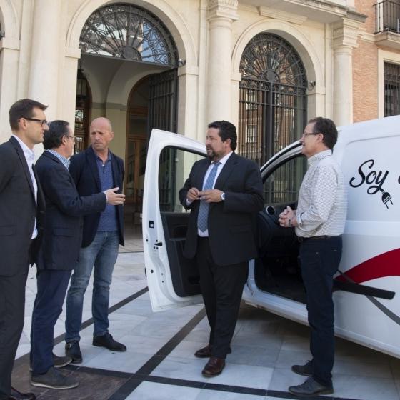 La Diputación promueve la introducción del vehículo eléctrico en la provincia