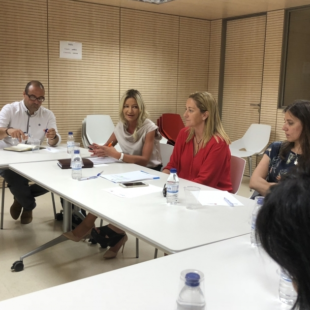 La Diputación impulsa nuevas acciones para atraer más turismo a través del aeropuerto