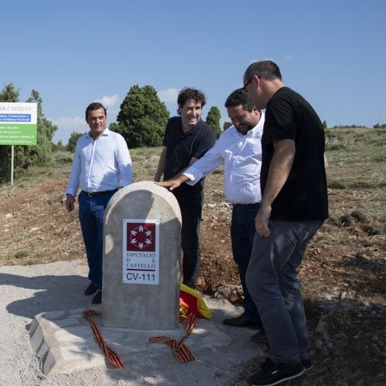 Moliner inaugura la carretera de acceso a Vallibona