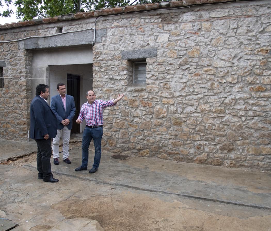 Diputación y La Salzadella transformarán la casa cuartel en alojamientos turísticos
