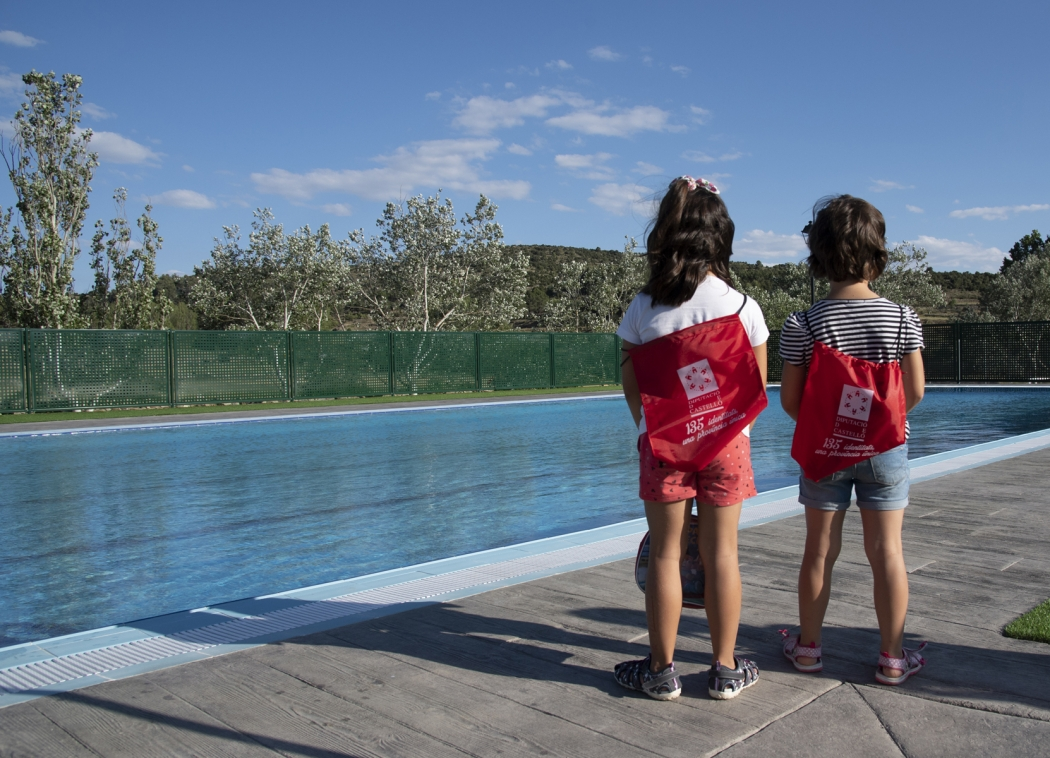 Pina de Montalgrao disfruta de una nueva piscina gracias a la ayuda de la Diputación