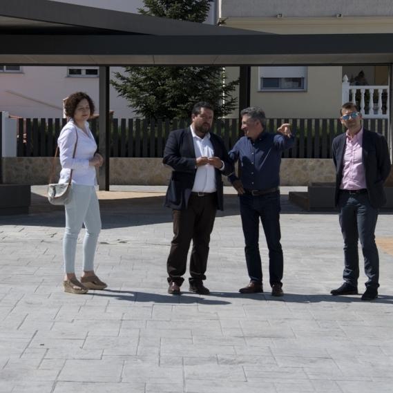 Els Ibarsos dispone de una nueva plaza peatonal financiada por la Diputación