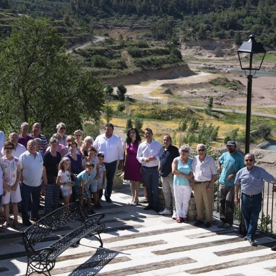 Moliner visita la nueva Plaza Mirador de Puebla de Arenoso