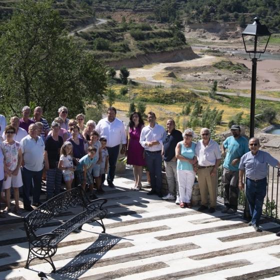 Moliner visita la nova Plaça Mirador de la Pobla d'Arenós
