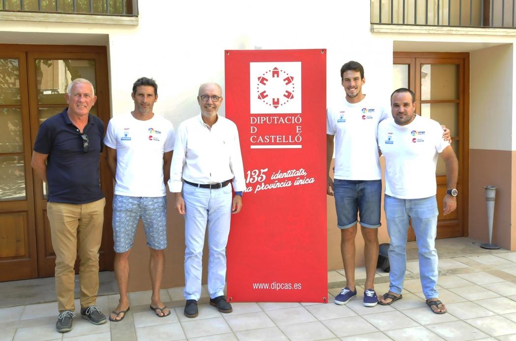 Martínez reconoce a cuatro deportistas del Real Club Náutico de Castellón