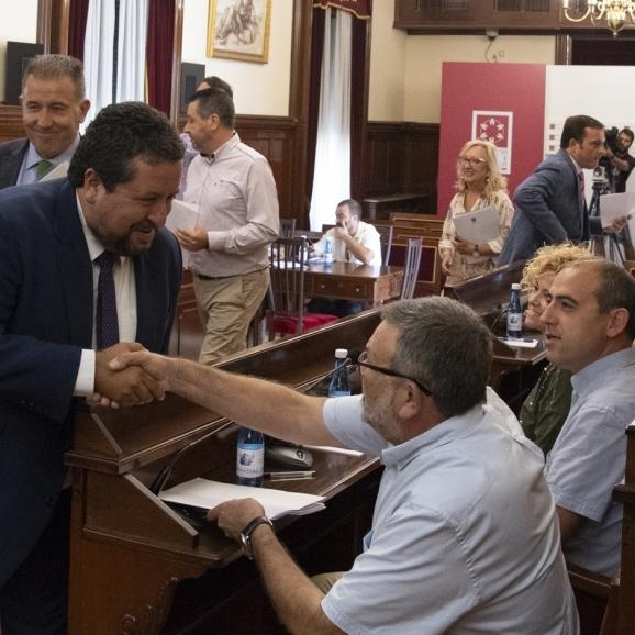 La Diputación aprobará una declaración para exigir al Gobierno que pague las desaladoras