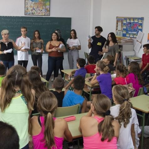 Diputación distribuye agendas en los institutos de la provincia