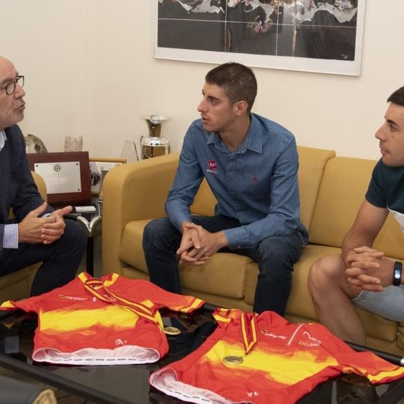 Diputación felicita a Sebastián Mora y Óscar Pelegrí por su recientes logros deportivos