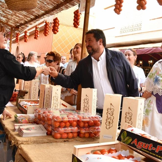impuls al turisme gastronòmic amb la VI Fira de la Tomata de Penjar de Alcalà