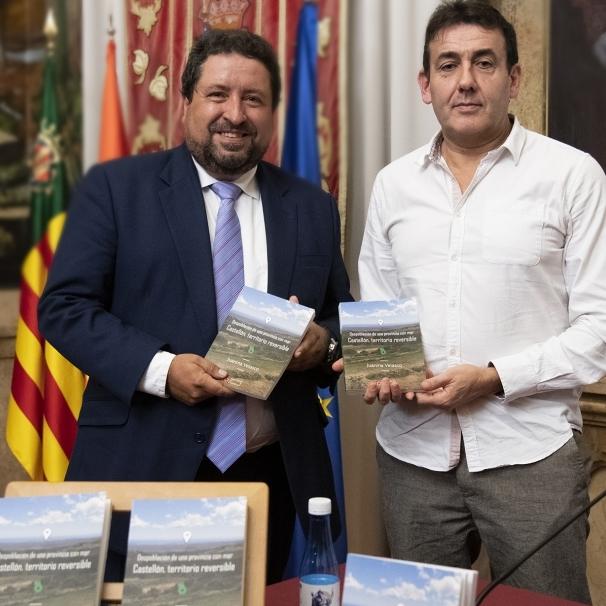 La Diputació dona suport al llibre 'Castellón, territorio reversible' de Juanma Velasco