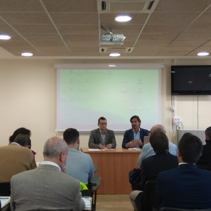 Diputación promueve una jornada sobre vehículos eléctricos en los municipios
