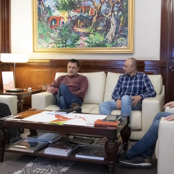 Moliner se reúne con el alcalde de Aín, Javier Sorribes