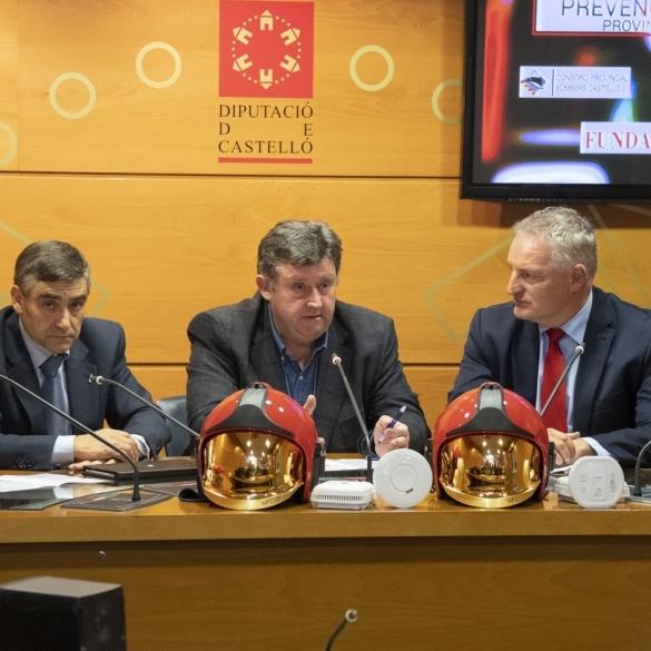 Diputació amplia a les vivendes de totes les persones majors la instal·lació de detectors de fum