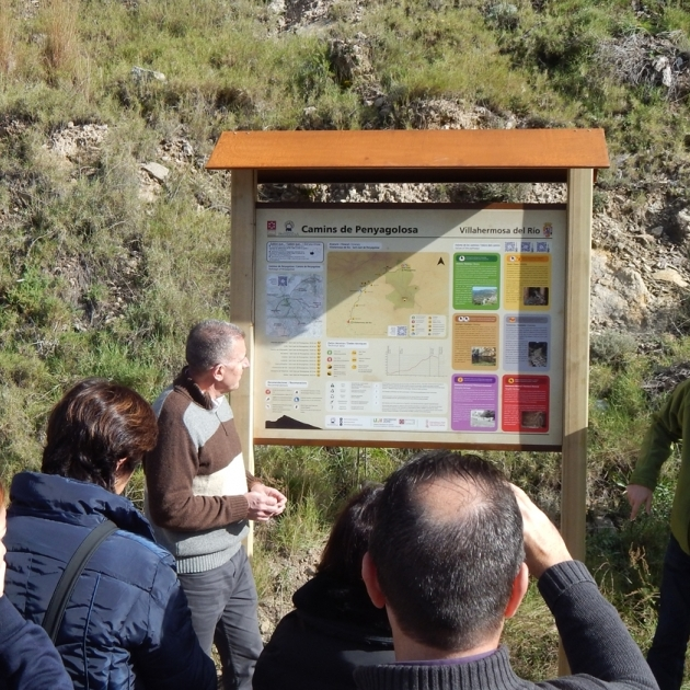 Diputación señaliza con paneles informativos Camins de Penyagolosa