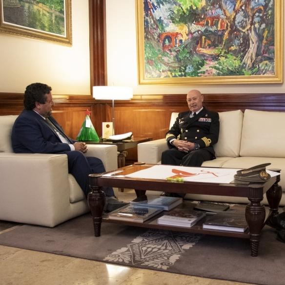Moliner se reúne con el nuevo Comandante Naval de Valencia y Castellón