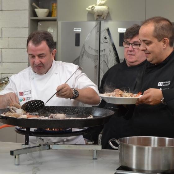 Martín Berasategui promociona y pone en valor el pescado y marisco de la provincia