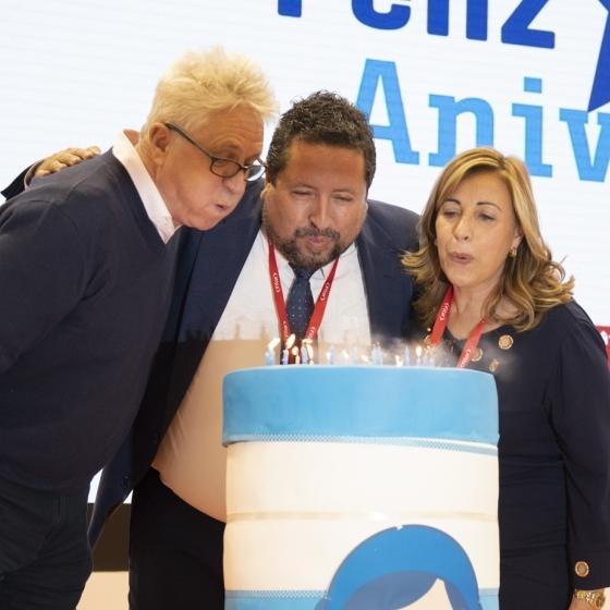 Javier Moliner, Susana Marqués y Melvin Benn celebran el 25 cumpleaños del FIB