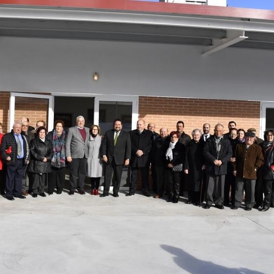 Moliner inaugura el Centre de Majors d'Albocàsser