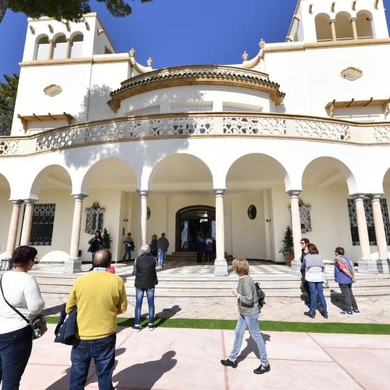 Diputación y Ayuntamiento de Benicàssim convierten Villa Elisa en el punto de moda
