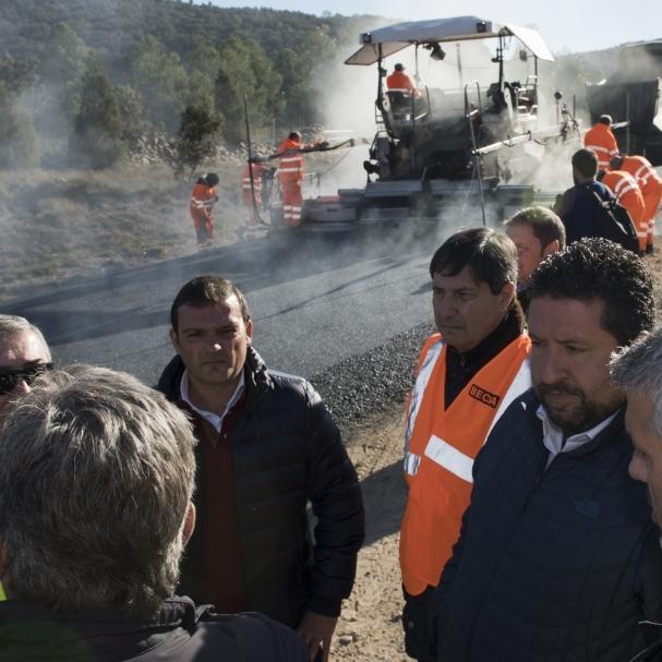 Diputación refuerza los trabajos en las carreteras del interior