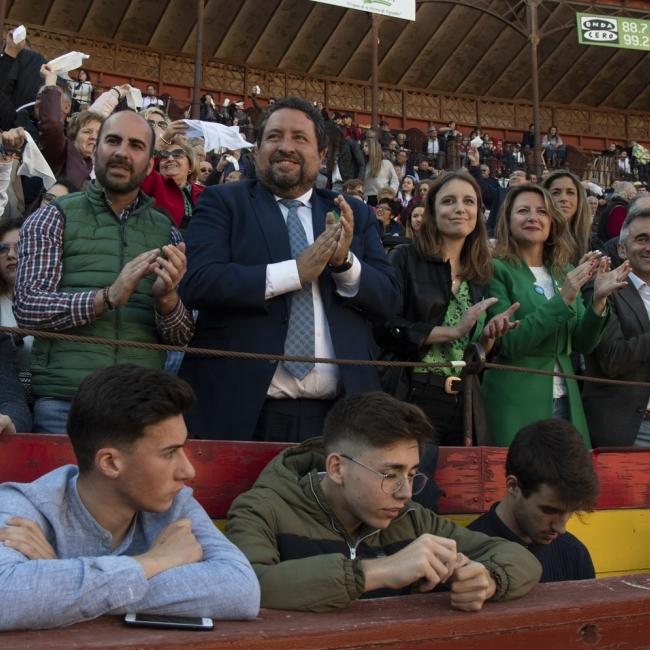 Moliner respalda a los alumnos de la Escuela Taurina de Castellón