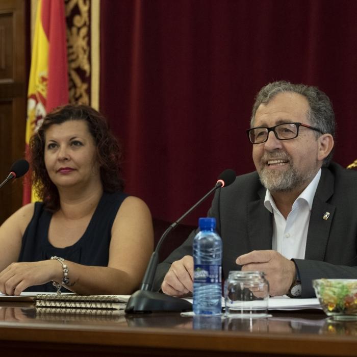 El nou equip de govern de la Diputació estalviarà 235.000 a l'any en els sous dels diputats