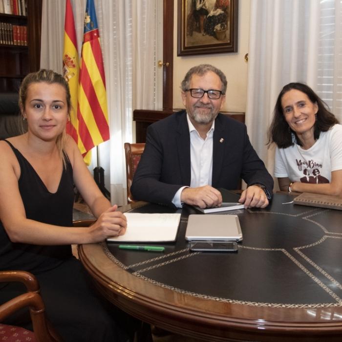 Martí estudia fórmulas para llevar el programa 'Supera-T' a los colegios del interior