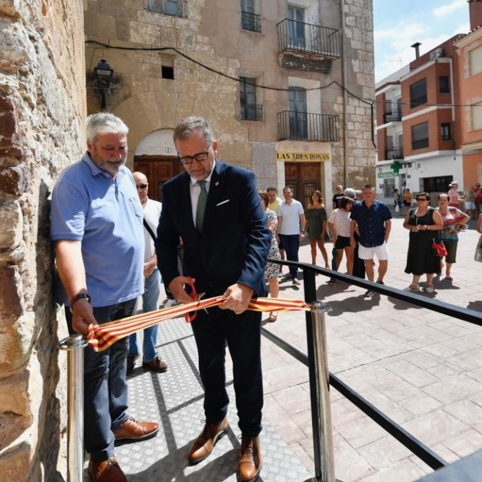 Martí inaugura a Cirat la rehabilitació de la Torre del Comte a càrrec del Pla 135