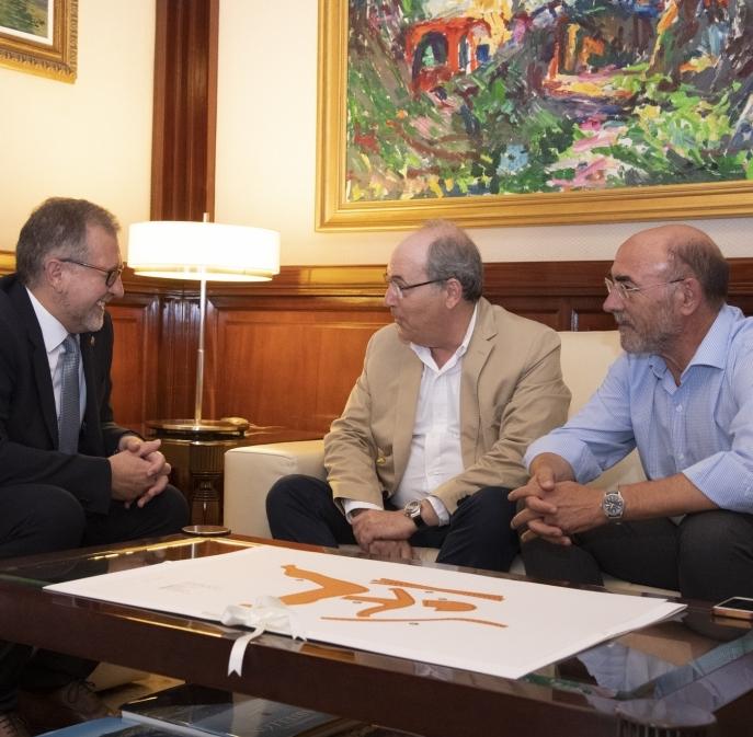 La APECC y la Diputación buscan fórmulas conjuntas para luchar contra la despoblación