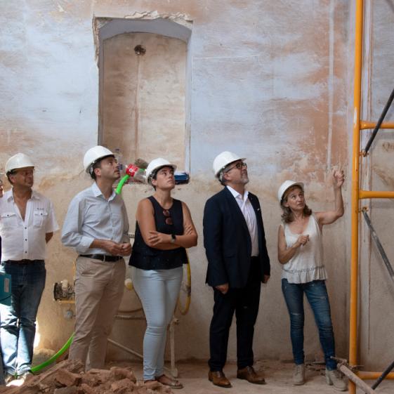 El president Martí visita les obres de recuperació de la Vella Església del Replà de les Alqueries