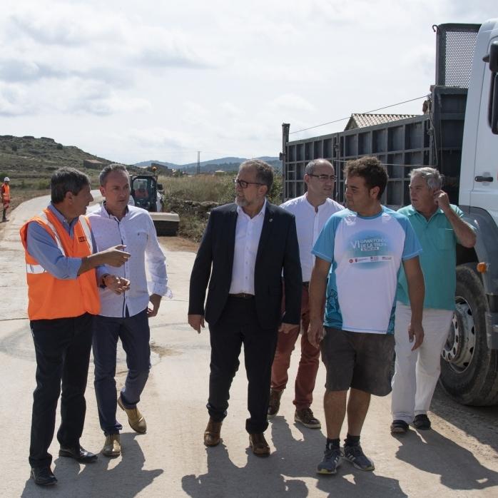 Martí visita les obres de millora de laseguretat viàriade la CV240 que connecta El Toro ambTerol