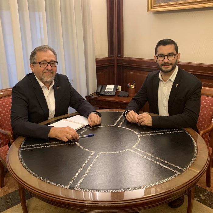 Martí y el alcalde de l'Alcora abordan la necesidad de concluir «ya» el parque de Protección Civil