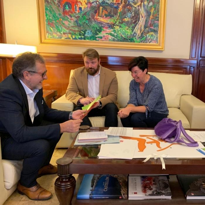 Martí felicita a la Taula del Sénia por su defensa de los olivos milenarios