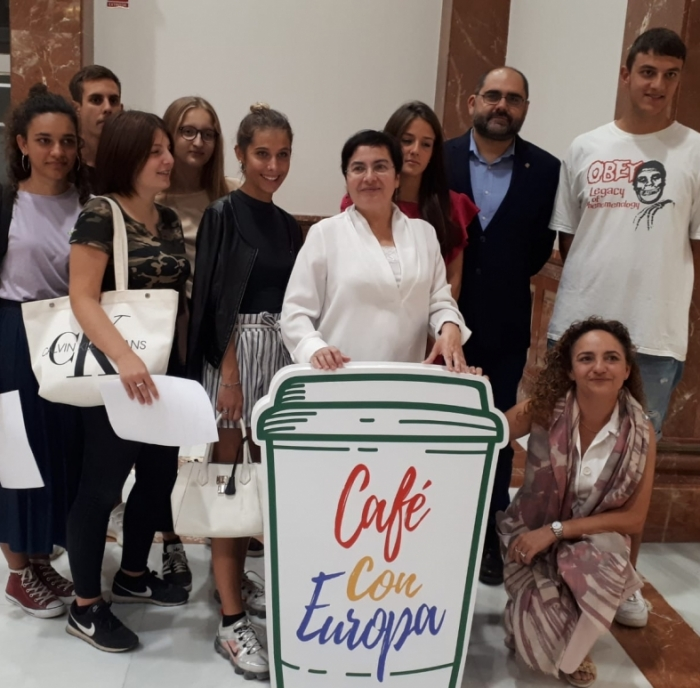 """La Diputació impulsa la iniciativa """"Cafè amb Europa"""" a Castelló a través del centre Europe Direct"""