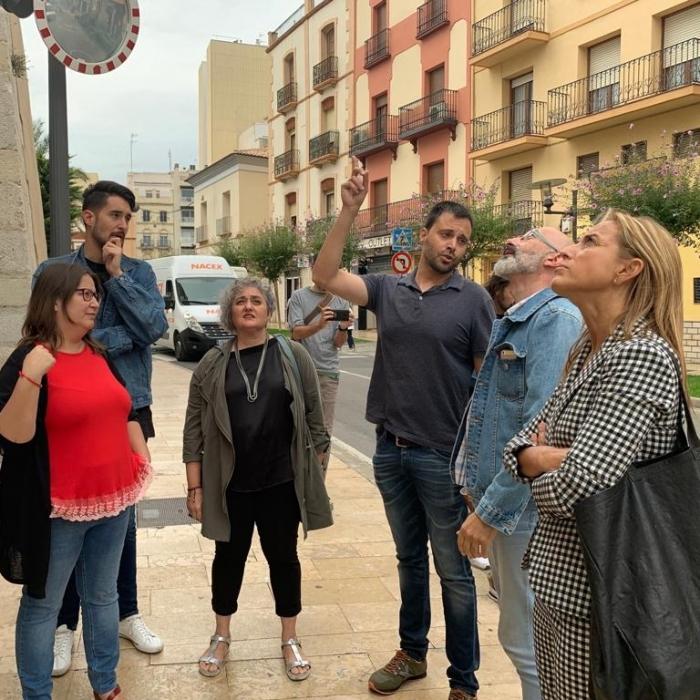 Sanz analiza junto a los técnicos de Diputación el estado de la fachada de la iglesia de Vinaròs