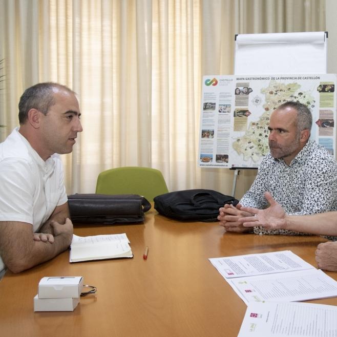La Diputació i la Unió estudiaran la implantació a Castelló dels nous models de gestió de purins