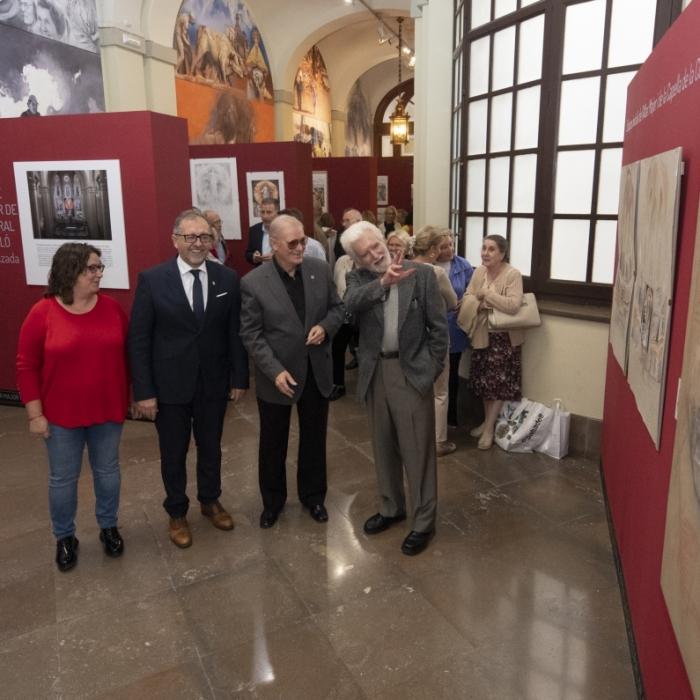Obri a la Diputació l'exposició que retrata la creació de l'altar de la cocatedral de Castelló
