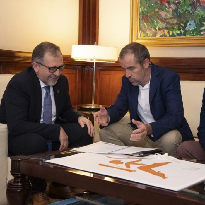 L'alcalde de Moncofa convida Martí a visitar les obres de millora del clavegueram de la platja