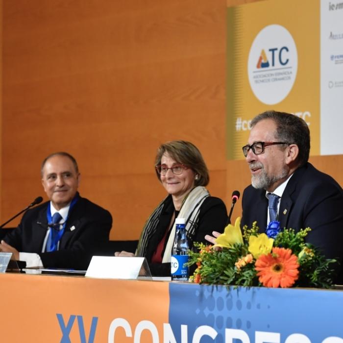 José Martí participa en la inauguració del Congrés Internacional del Tècnic Ceràmic a Castelló