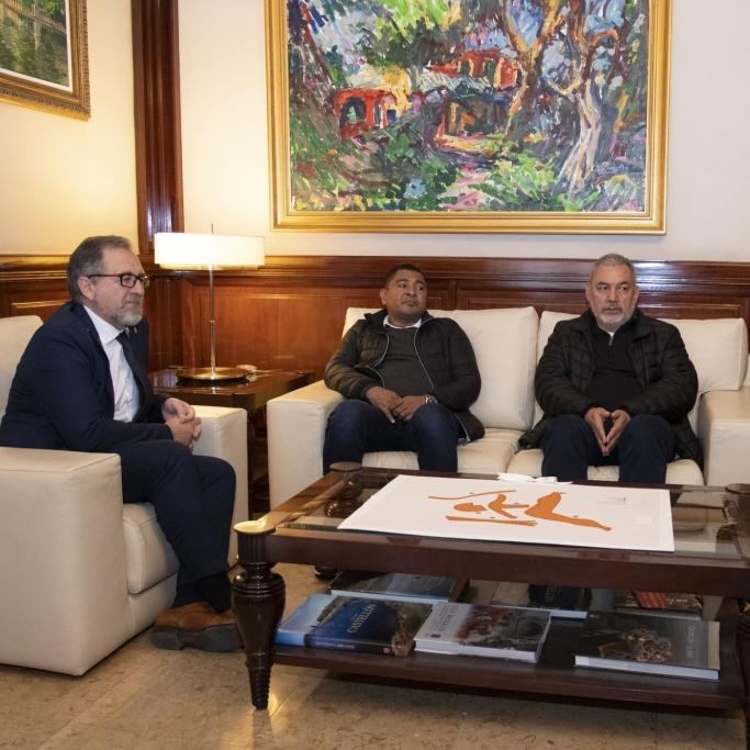José Martí recibe a los activistas por los DDHH colombianos Gerardo Vega y Tony Lozano